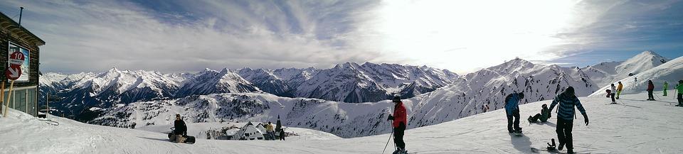 Met onze Ski Jassen Voor Dames altijd warm tijdens het skiën.
